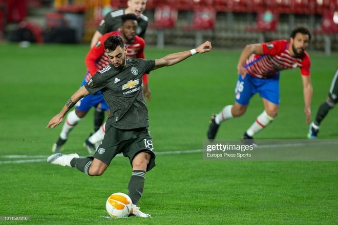 Man United thổi bay địch thủ ngổ ngáo; Arsenal trả giá đắt vì sai lầm phút bù giờ - Ảnh 2.