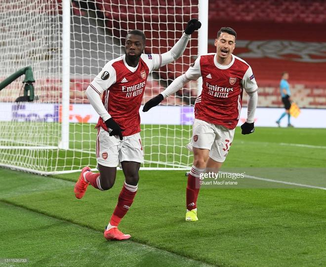 Man United thổi bay địch thủ ngổ ngáo; Arsenal trả giá đắt vì sai lầm phút bù giờ - Ảnh 3.