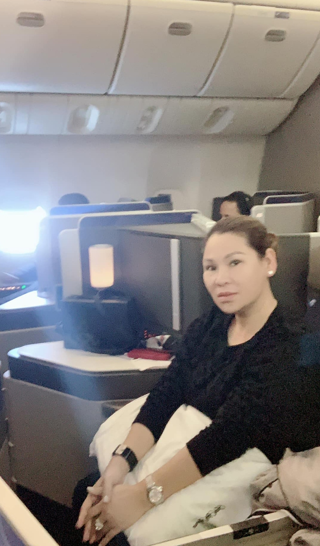 Hình ảnh sang chảnh, đi du lịch đắt đỏ của vợ đại gia Kinh Quốc trước khi bị bắt - Ảnh 4.