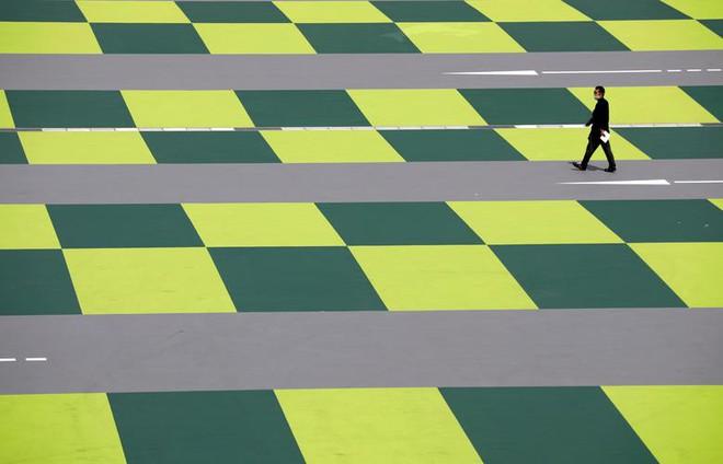 24h qua ảnh: Nghĩa địa xe đạp điện ở Trung Quốc - Ảnh 2.