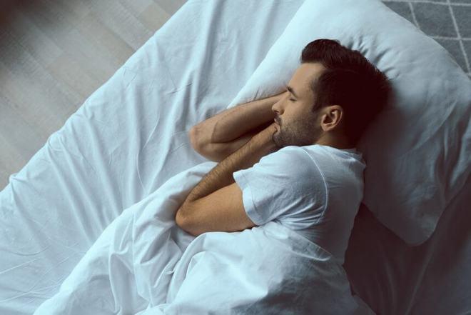 Ngủ quá nhiều có hại sức khỏe không? Bất ngờ với giải thích của chuyên gia - Ảnh 2.
