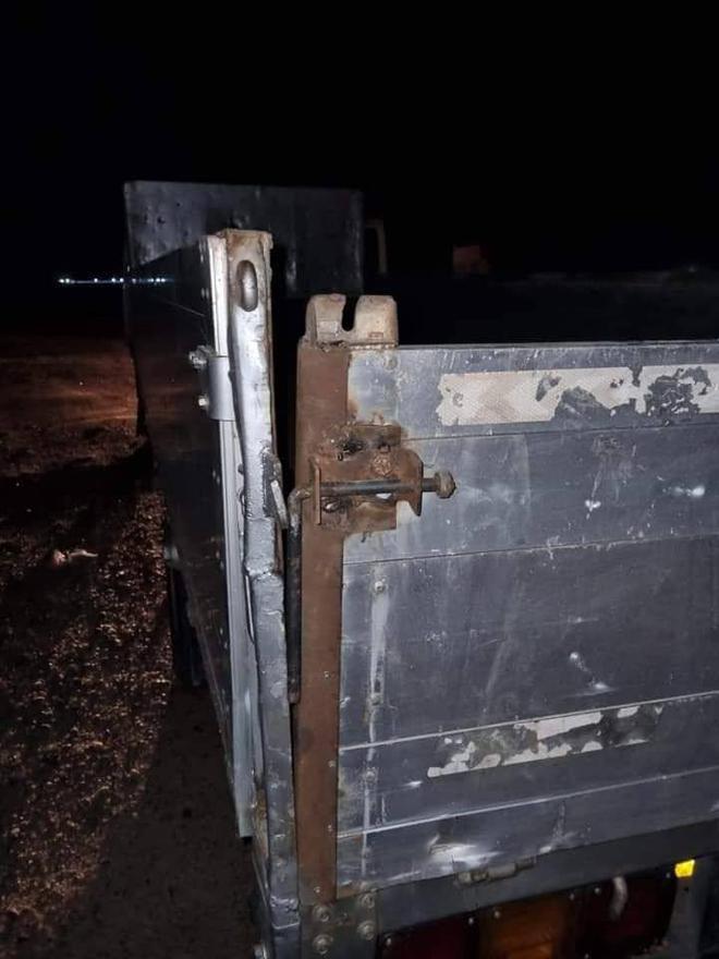 Đụng độ ác liệt ở Donetsk, lính Ukraine bỏ cả đồng đội tháo chạy - Lộ tình tiết bí ẩn vụ tàu Iran bị tấn công - Ảnh 3.