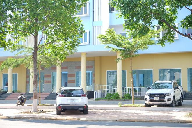 Thông tin có nhiều ô tô sang trong khu nhà ở xã hội ở Đắk Lắk: Chủ yếu là loại trung bình, giá rẻ - Ảnh 1.