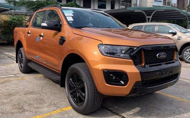Đại lý bán Ford Ranger 'bia kèm lạc' cao nhất 70 triệu đồng - Lô xe nhập Thái cuối cùng trước khi chuyển sang lắp ráp trong nước