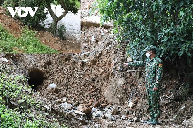 Bất ngờ về kẻ nội gián trong đường dây đưa 200 người xuất nhập cảnh trái phép ở Lào Cai - Ảnh 1.