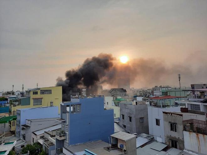 Xem xét dấu hiệu phạm tội trong vụ cháy nhà khiến 8 người tử vong ở Sài Gòn - Ảnh 4.