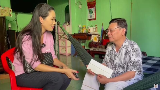 Nghệ sĩ Linh Phước phải cắt chân 2 lần vì bệnh quái ác: Tới khi đó tôi mới nhìn vợ khóc - Ảnh 4.