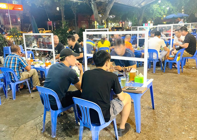 Chủ tịch Hà Nội đề nghị xem xét dừng bia hơi để chống Covid-19; Chủ quán chè bưởi nhiễm Covid-19 sau khi ngồi cùng bàn tiệc cưới với Tổng GĐ Thẩm mỹ viện Amida - Ảnh 1.