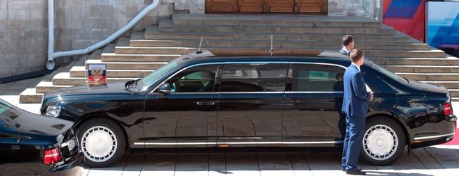 Chiếc xe gấu Nga dành cho tổng thống Putin: Thế giới choáng ngợp! - Ảnh 3.