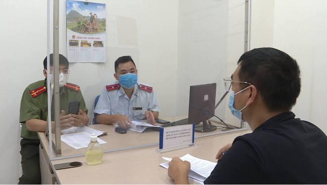 Xử phạt Youtuber Duy Nến vì đăng tin sai sự thật Hà Nội bị phong tỏa - Ảnh 2.