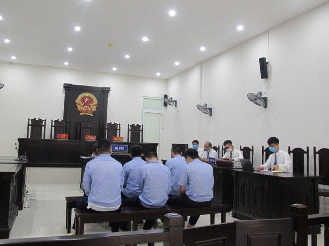 """4 thanh tra giao thông nhận tiền từ nhóm bảo kê """"xe vua"""" ở Hà Nội như thế nào? - Ảnh 2."""