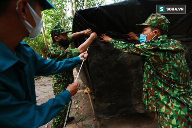 Biên giới Tây Ninh: 50m một chốt, bộ đội căng mình chặn sóng Covid cho Tổ Quốc - Ảnh 2.