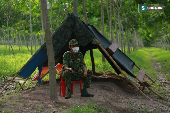 Biên giới Tây Ninh: 50m một chốt, bộ đội căng mình chặn sóng Covid cho Tổ Quốc - Ảnh 8.