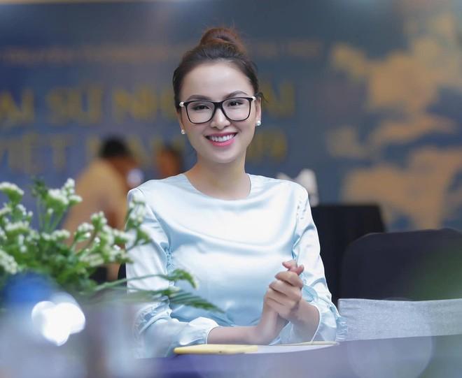 Hoa hậu Diễm Hương: Tôi bị chèn ép thẳng trên sân khấu mà vẫn phải nhịn - Ảnh 5.