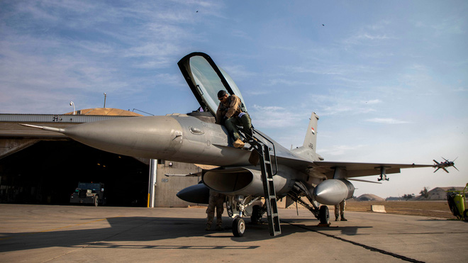 """Iraq bị Mỹ chơi một vố đau đớn: Toàn bộ phi đội máy bay chiến đấu F-16 """"đắp chiếu""""! - Ảnh 1."""