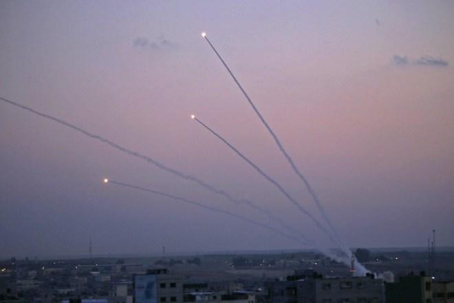 Cuộc chiến Israel - Palestine chính thức bùng nổ, những đòn tập kích sấm sét -Thương vong tăng vùn vụt - Ảnh 1.