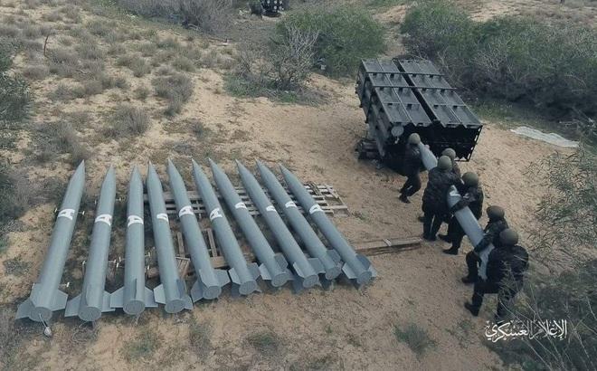 """Loạt """"tên lửa mới"""" được Hamas khai hỏa ồ ạt vào Israel: Công nghệ TQ - kỹ thuật Syria?"""