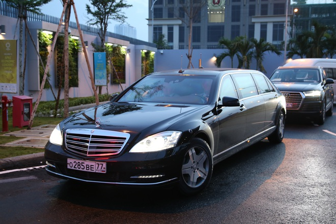 Chiếc xe người Nga mượn cho tổng thống Putin: Siêu khủng! - Ảnh 1.
