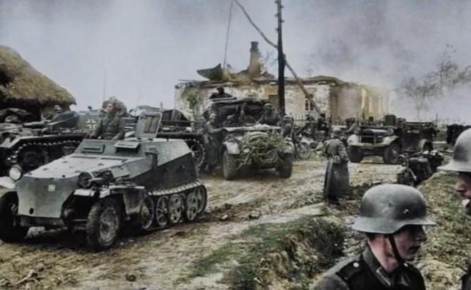Đội quân 'chiến thần' đỉnh cao chỉ với 7 trinh sát buộc 1.300 quân lính và 200.000 người phải đầu hàng - ảnh 1