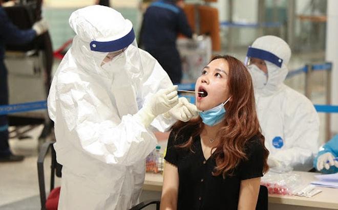 NÓNG: Hà Nội phát hiện 4 ca dương tính SARS-CoV-2, trong đó, 2 người từng âm tính 2 lần