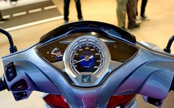 Giải mã cơn sốt xe Wave Thái: Đầy bình xăng đi 350km, giá 39 triệu đồng - Ảnh 10.