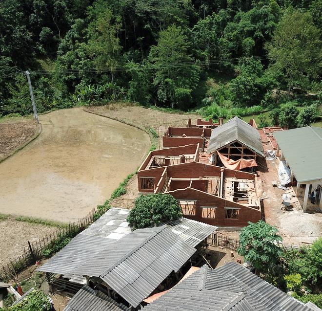 Ngôi trường của người dân tộc Thái ở Sơn La đẹp như tranh vẽ - Ảnh 7.