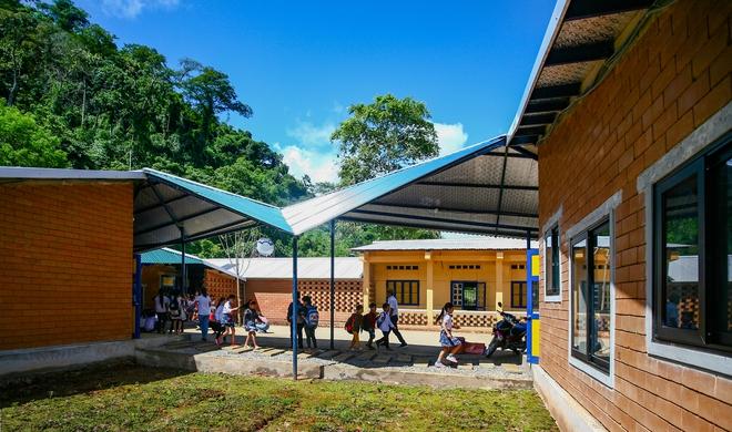 Ngôi trường của người dân tộc Thái ở Sơn La đẹp như tranh vẽ - Ảnh 4.