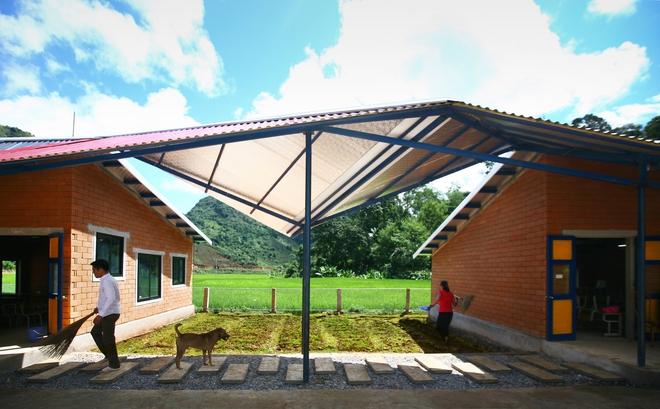 Ngôi trường của người dân tộc Thái ở Sơn La đẹp như tranh vẽ - Ảnh 12.