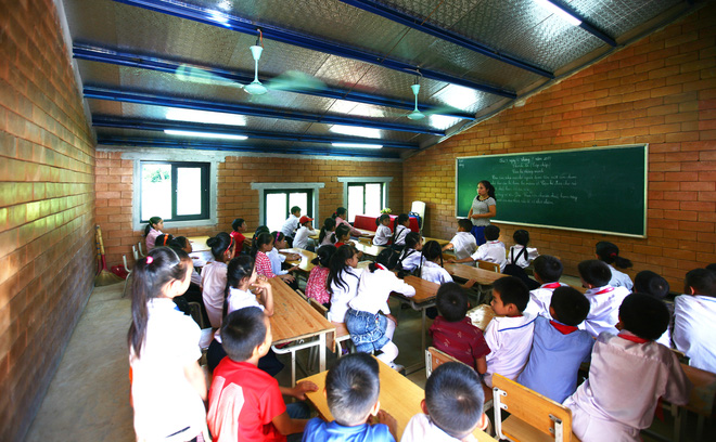 Ngôi trường của người dân tộc Thái ở Sơn La đẹp như tranh vẽ - Ảnh 16.