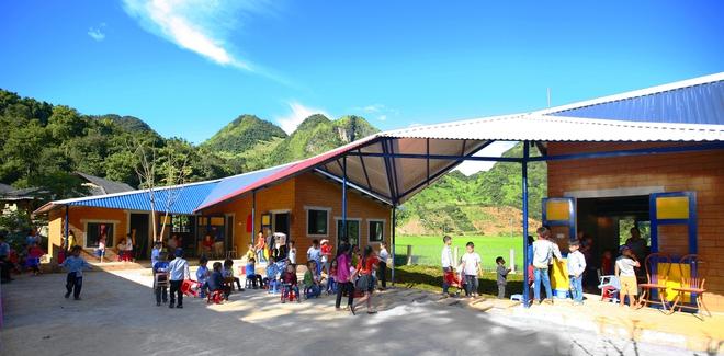Ngôi trường của người dân tộc Thái ở Sơn La đẹp như tranh vẽ - Ảnh 11.
