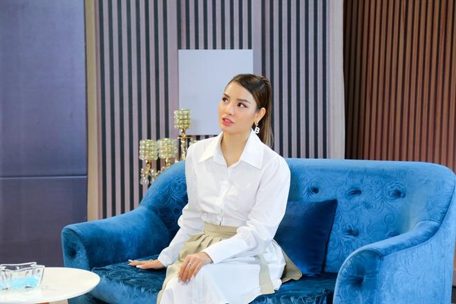 Jolie Phương Trinh tiết lộ thu nhập bạn trai sau tuyên bố không yêu đàn ông  có thu nhập dưới 100 triệu