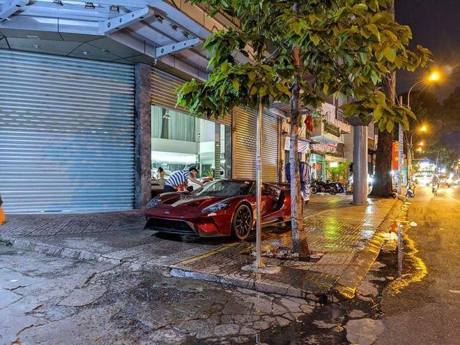 Siêu xe Ford mới về Việt Nam đặc biệt cỡ nào? Đặt vài triệu USD vẫn chưa chắc mua được! - Ảnh 1.