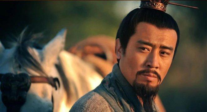 Hoàng Trung trước khi chết thều thào nói 8 chữ, Lưu Bị nghe xong đùng đùng nổi giận, Triệu Vân cũng không giữ được bình tĩnh - Ảnh 2.