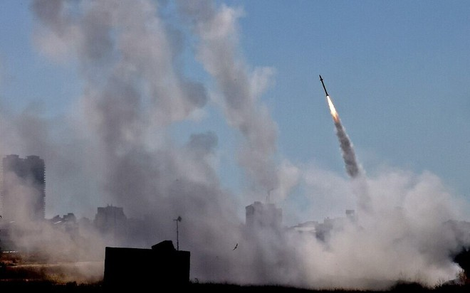 Báo Mỹ: Bắn hàng nghìn rocket, người Palestine đã tìm ra điểm yếu của hệ thống Vòm Sắt? - Ảnh 3.