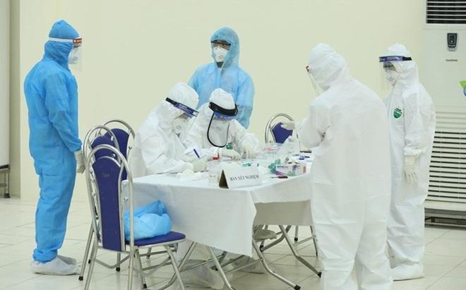 NÓNG: Hà Nội phát hiện 2 trường hợp dương tính SARS-CoV-2 lây từ Giám đốc mắc Covid-19 ở Thanh Xuân