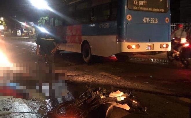 Tông trực diện vào xe bus, hai người đi xe máy thiệt mạng