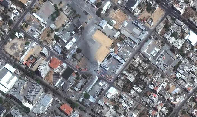 2.000 tên lửa Hamas dồn dập nã xuống Israel - Máy bay, trực thăng, xe tăng Israel tổng phản công: Chiến sự bùng nổ! - Ảnh 3.