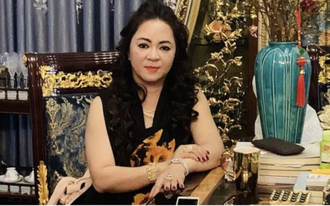 Bà Phương Hằng mạt sát giới showbiz: Loạt nghệ sĩ bức xúc, kêu gọi chính quyền vào cuộc - Ảnh 1.