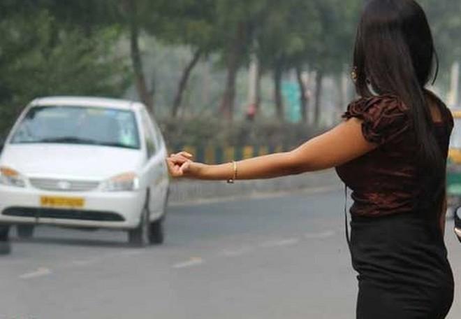 Cho nữ sinh đi nhờ xe rồi cưỡng bức, thủ phạm nhận ngay quả báo khiến dân mạng hả hê - Ảnh 1.