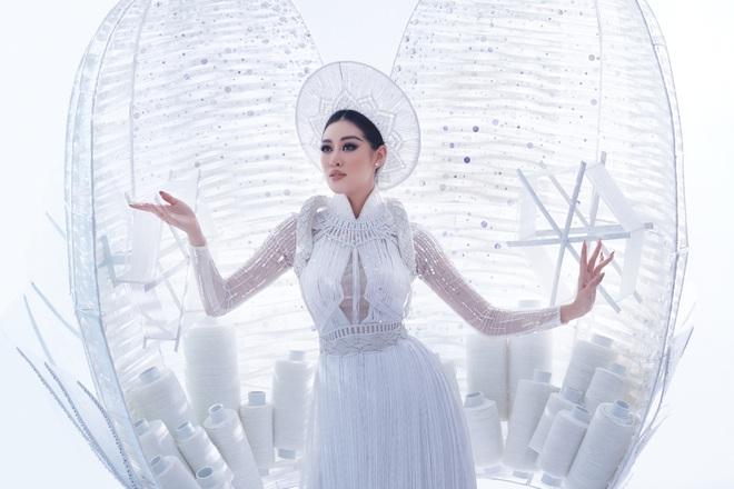 Khánh Vân xuất hiện theo cách chưa từng có tại Hoa hậu Hoàn vũ Thế giới khiến khán giả trầm trồ  - Ảnh 11.