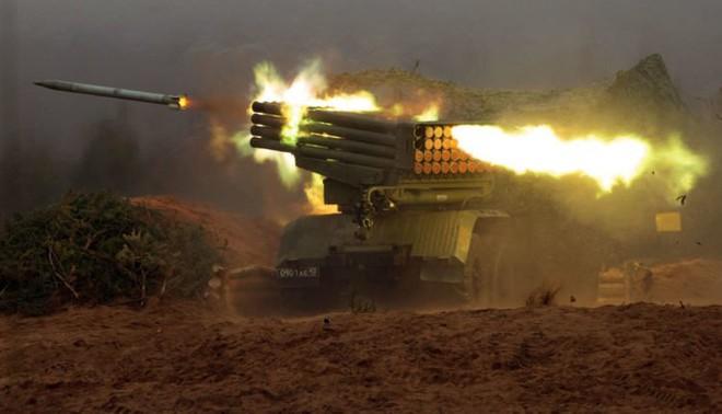 Lăm le ngoi lên, phiến quân đối diện đòn không kích khốc liệt của Nga - Ảnh 2.