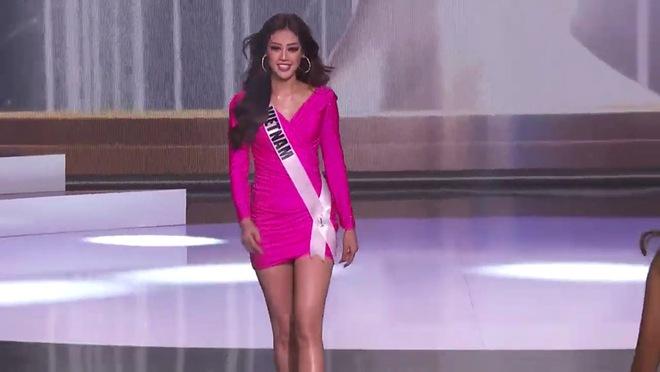 Khánh Vân diện bikini bốc lửa, xoay áo choàng xuất thần trên sân khấu bán kết Hoa hậu Hoàn vũ Thế giới 2020 - Ảnh 11.