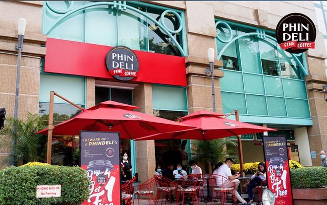 Từng mua lại 1 thị trấn của Mỹ để quảng bá cà phê Việt, cao bồi Phạm Đình Nguyên cuối cùng vẫn phải bán Phin Deli cho tỷ phú giàu thứ 3 Việt Nam - Ảnh 3.