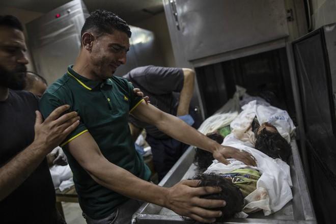 Khoảnh khắc quân đội Israel gọi điện cho cư dân Gaza cảnh báo sắp đánh sập tòa nhà 13 tầng - Ảnh 5.