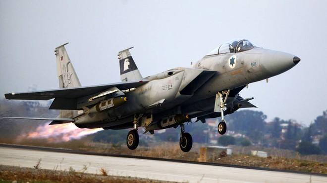 Hamas quật khởi vùng dậy, nã 2.800 tên lửa tấn công Israel - bão đạn liên tiếp trút xuống: Chiến sự rực lửa! - Ảnh 1.
