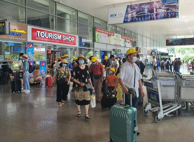 7 chuyên gia Trung Quốc cố tình ở lại Đà Nẵng sau khi cách ly, bị chủ khách sạn báo công an - Ảnh 1.