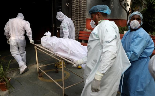 Bệnh nhân Covid-19 Ấn Độ bất ngờ tỉnh dậy ngay trước khi hỏa táng