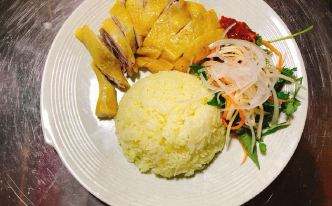 Chủ quán cơm gà nổi tiếng ở Đà Nẵng dương tính với SARS-CoV-2, chưa rõ nguồn lây