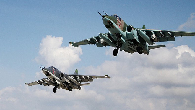 Nga không kích đến hang cùng ngõ hẻm, IS không còn đường thoát - ảnh 1