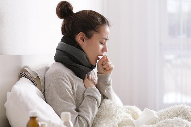 Dịch lan rộng ra cộng đồng, mách bạn cách phân biệt sự khác nhau giữa Covid-19, cảm lạnh thông thường và cúm - Ảnh 4.